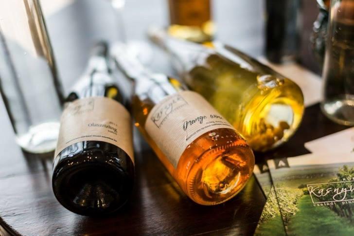 Az olaszrizling, ha pezsgő, narancsbor, bogyóbor