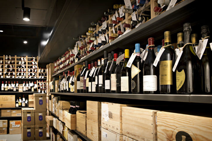 Vasárnap márpedig nem veszel bort!